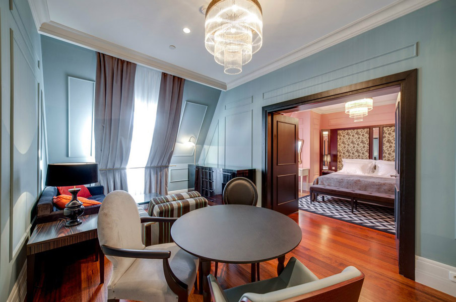 Dom boutique hotel saint petersburg black olive collection for Boutique hotel collection